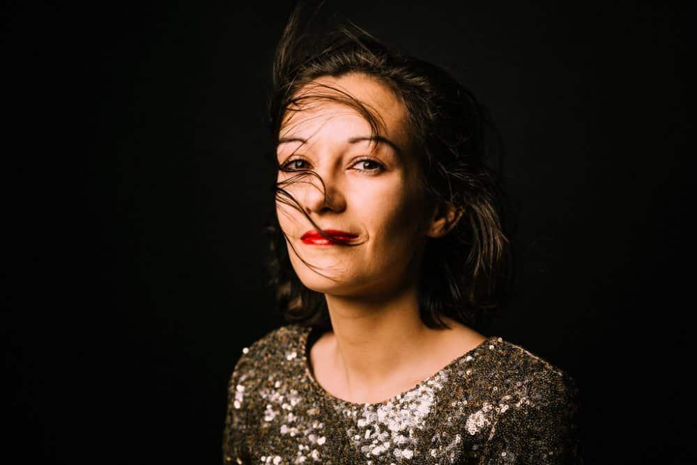 portrait de femme au studio photo bordeaux corinne ballouard photographe Bordeaux